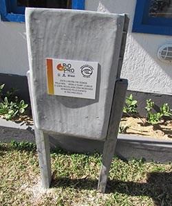 Mais legado do campeonato do surfe: 60 lixeiras recicladas da lona plastificada utilizada nas tendas