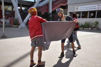 Acredite: eles estão preparando um turbante!