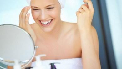 Задължително в банята душ гел и кокосово масло