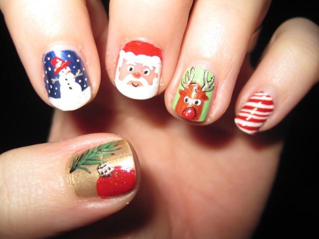 Идеи за Коледа - маникюр за празника