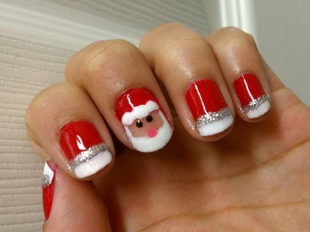 Идеи за Коледа и Нова година - празничен маникюр с Дядо Мраз