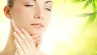 Маска за лице лекува пъпки по лицето и акне