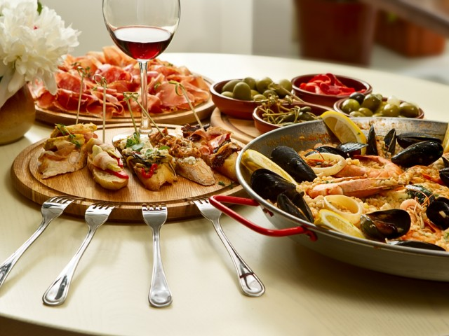Испанска кухня - тапас и паеля