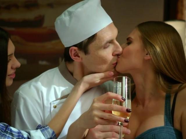Кухня сериал 5 сезон - Льова с две момичета