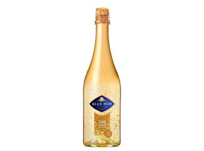 Шампанско със златни частици Blue Nun Gold Edition 24K
