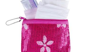 Комплект подарък за първа менструация