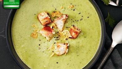 Рецепта за крем супа от броколи и картофи с крутони и чедър