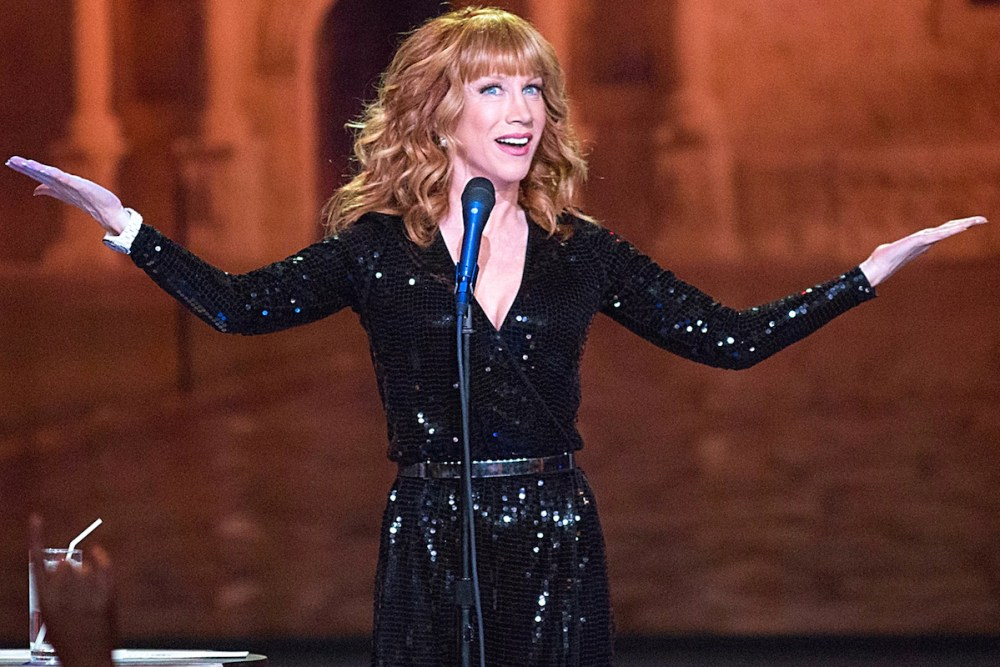 """KATHY GRIFFIN SPECIALS -- """"Kathy Griffin: Record Breaker"""" -- Pictured: Kathy Griffin, Guiness World Records Representative -- (Photo by: Rick Kern/Bravo)"""