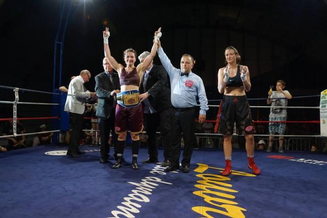 Oshin Derieuw wins WBF International title
