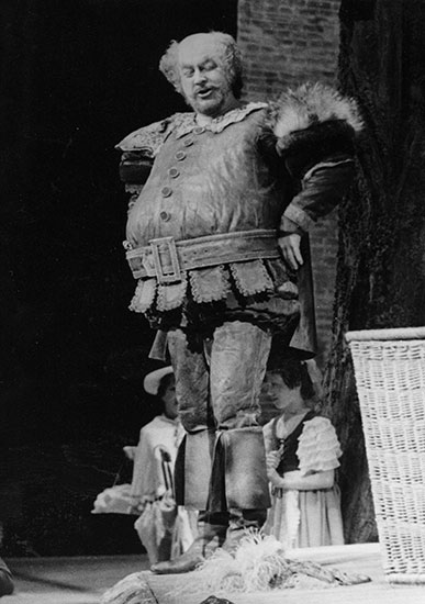 Kavi as Falstaff