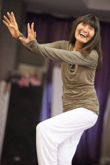 060 Meera dancing 2 cr Ananda Heech