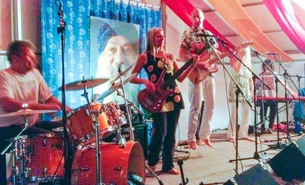 Milarepa jumping with Rishi, Chandira, Tarisha, Suvarna at the Osho Leela Festival, 2014