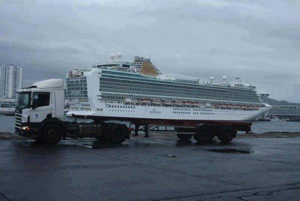 cruiser on a lorry