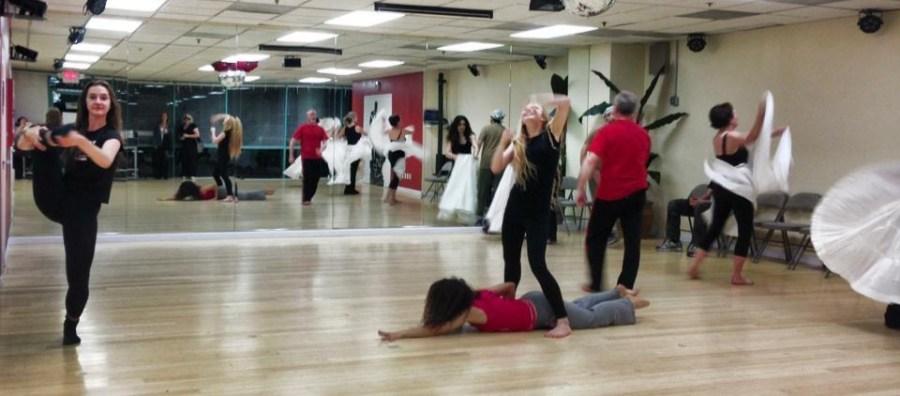 Ensayos de la obra Las Alas de Oshun Rehearsal of the show The Oshun Wings Creadora Directora Coreografa Bailarina Profesional dancers emotions movement Maritza Rosales 03