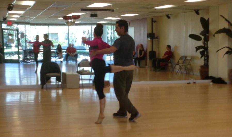 Rehearsal of the show The Oshun Wings Ensayos de Las Alas de Oshun Creator Director Coreographer dancers Bailarina Professional teaching show Maritza Rosales 11
