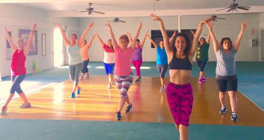 Clases de Boombafro por Maritza Rosales Bailarina Instructora Coreografa Creadora y Directora Profesional de este estilo de clase AfroCubano Latino Cardio Tonificacion Reductiva Yoga Meditacion 033