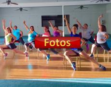 fotos Clase de Boombafro Cardio Tonificacion Reductiva Yoga Meditacion con sillas Isntructora y creadora Maritza Rosales