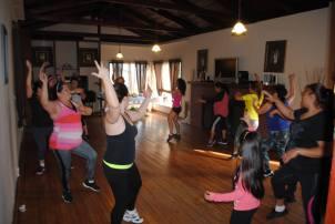 Boombafro Master Class por Maritza Rosales Bailarina Instructora Coreografa Creadora y Directora Profesional de este estilo de clase AfroCubano Latino Cardio Tonificacion Yoga Meditacion 018