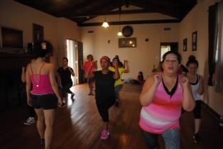 Boombafro Master Class por Maritza Rosales Bailarina Instructora Coreografa Creadora y Directora Profesional de este estilo de clase AfroCubano Latino Cardio Tonificacion Yoga Meditacion 022