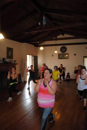 Boombafro Master Class por Maritza Rosales Bailarina Instructora Coreografa Creadora y Directora Profesional de este estilo de clase AfroCubano Latino Cardio Tonificacion Yoga Meditacion 024