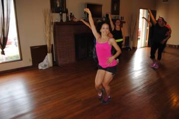 Boombafro Master Class por Maritza Rosales Bailarina Instructora Coreografa Creadora y Directora Profesional de este estilo de clase AfroCubano Latino Cardio Tonificacion Yoga Meditacion 028