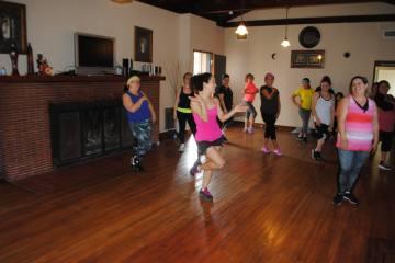 Boombafro Master Class por Maritza Rosales Bailarina Instructora Coreografa Creadora y Directora Profesional de este estilo de clase AfroCubano Latino Cardio Tonificacion Yoga Meditacion 029