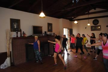 Boombafro Master Class por Maritza Rosales Bailarina Instructora Coreografa Creadora y Directora Profesional de este estilo de clase AfroCubano Latino Cardio Tonificacion Yoga Meditacion 030
