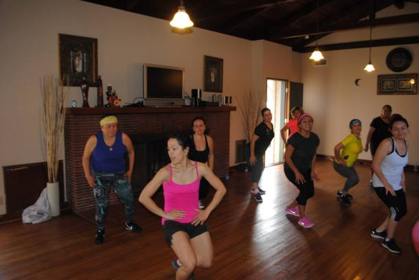 Boombafro Master Class por Maritza Rosales Bailarina Instructora Coreografa Creadora y Directora Profesional de este estilo de clase AfroCubano Latino Cardio Tonificacion Yoga Meditacion 031
