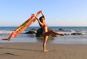 Maritza Rosales Bailraina Instructora Coreografa Profesional de Danza Moderna y Contemporaneo Tecnica Cubana 004