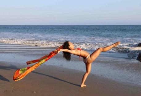 Maritza Rosales Bailraina Instructora Coreografa Profesional de Danza Moderna y Contemporaneo Tecnica Cubana 009