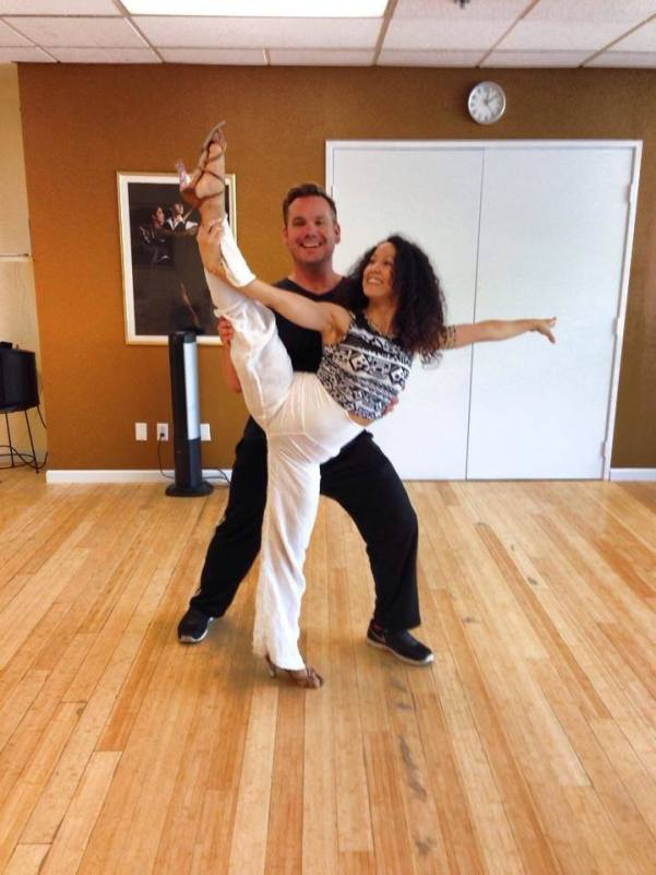 Oshun Wings Dance Art Entertainment Maritza Rosales Bailarina Profesional Recaudacion de fondos para el Teatro New Hall SCV 019