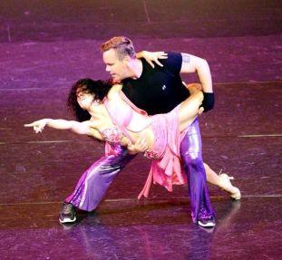 Oshun Wings Dance Art Entertainment Maritza Rosales Bailarina Profesional Recaudacion de fondos para el Teatro New Hall SCV 020