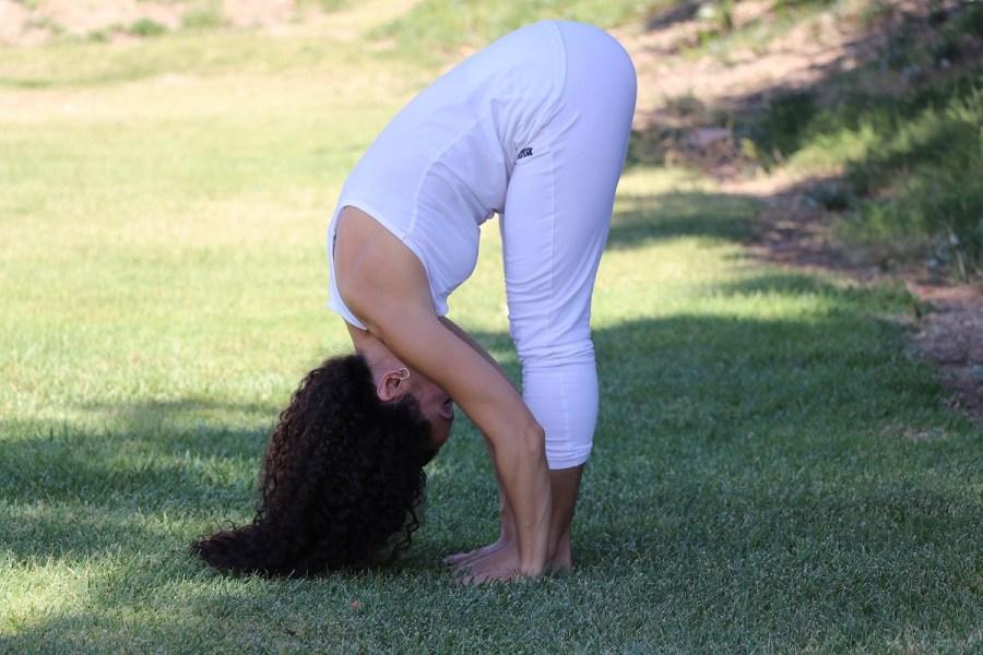 Yoga estiramiento reductiva meditacion relajacion posturas sanacion conexion cuerpo mente Instructora Maritza Rosales 036
