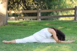 Yoga estiramiento reductiva meditacion relajacion posturas sanacion conexion cuerpo mente Instructora Maritza Rosales 047