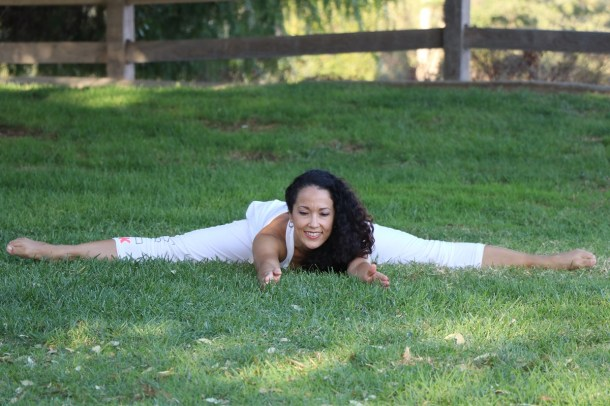 Yoga estiramiento reductiva meditacion relajacion posturas sanacion conexion cuerpo mente Instructora Maritza Rosales 048