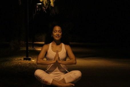 Yoga estiramiento reductiva meditacion relajacion posturas sanacion conexion cuerpo mente Instructora Maritza Rosales 067