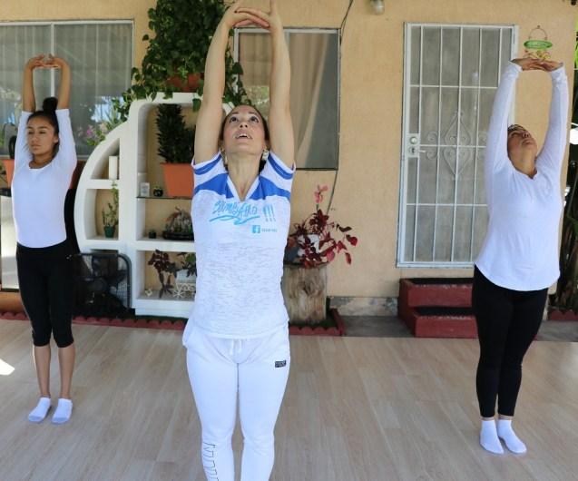 clase privada de Yoga postura y meditacion instructora Maritza Rosales Bailarina Coreografa Fundadora y Directora de Oshun Wings Dance Art and Entertainment 001