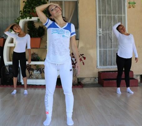 clase privada de Yoga postura y meditacion instructora Maritza Rosales Bailarina Coreografa Fundadora y Directora de Oshun Wings Dance Art and Entertainment 009