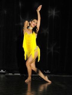 elegua diagonal de oshun coreografa maritza rosales fundadora directora de oshun wings dance art entertainment 02