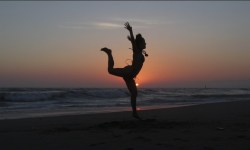 maritza rosales coreografa profesional y creadora de boombafro Cardio class en los angeles ca