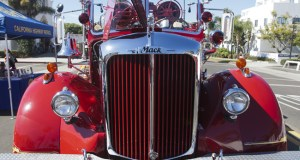 1952 Mack Pumper