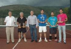 Adrián Delgado gaña o torneo de tenis do Barco