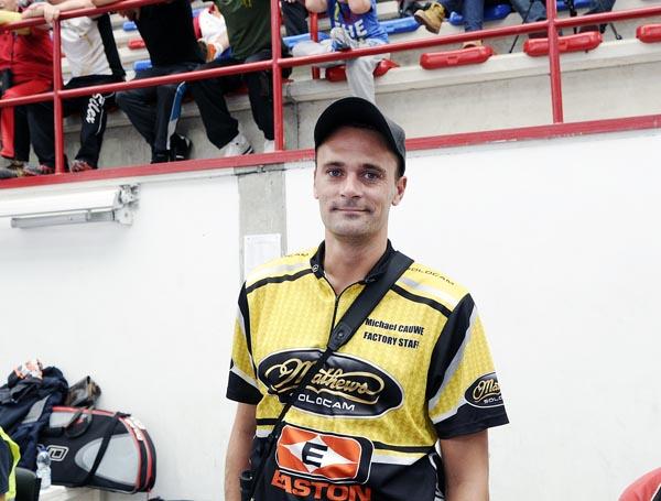 O belga Michael Cauwe bateu o récord do mundo en arco composto, no Barco.