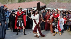 Escenificación da Paixón de Cristo en Rubiá
