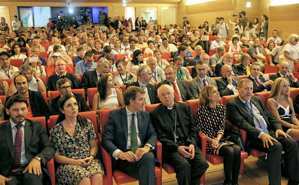 Asistentes ao I Encontro Mundial en Galicia de Asociacións de Asociacións de Amigos do Camiño de Santiago en Galicia.