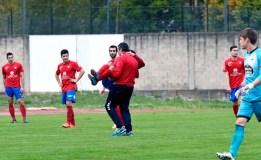 Gran partido en Calabagueiros que remata con dous xogadores do Barco lesionados