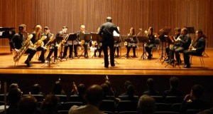 Actuación de saxofonistas barquenses en Ponferrada