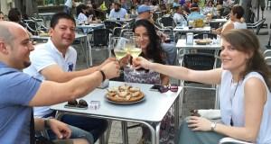 Deliciosa ruta de pinchos elaborados con viño, no Barco