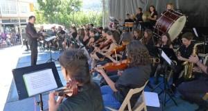 Pasodobres e mambos da Banda de Música do Barco contra o calor
