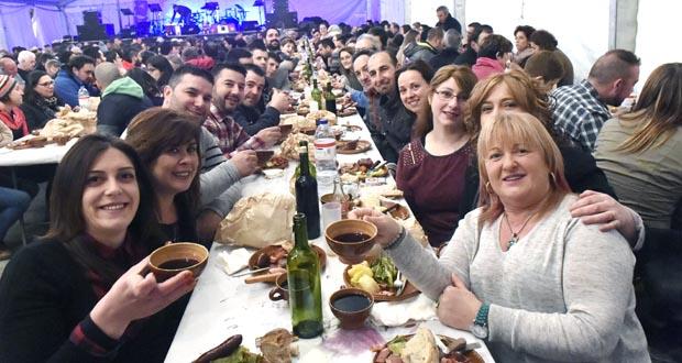 Noite de cocido e festa en Piñeiro (A P. de Trives)